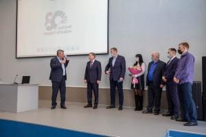 Глава региона напомнил, что кандидатуру руководителя «ТЯЖМАШа» выдвинул большой и сплоченный коллектив, и это достойно.
