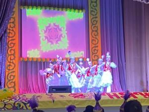 Для казахов этот праздник является символом весеннего обновления, торжества любви, плодородия и дружбы.