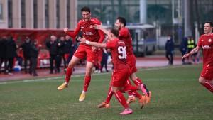 Тольяттинский Акрон вырвал победу в Москве на последних секундах!