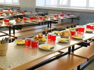 Губернатор отметил, что Самарская область стала одним из лучших регионов страны по организации школьного питания.