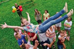 Обсуждались особенности работы летних загородных лагерей, а также их подготовка к летней оздоровительной кампании 2021 года.