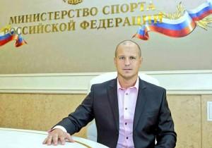 Одна из первоочередных его задач Александра Чеботарёва – подготовка решений по тренерскому штабу и административному составу ХК «Лада».