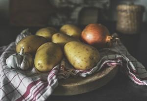 Идеальным способом приготовления картофеля считается запекание, отметил специалист.