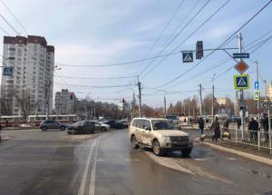 На Стара-Загора в Самаре столкнулись иномарки, пострадала женщина