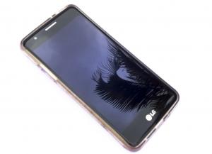 Ранее LGпыталасьпродать свой бизнес по производству смартфонов, но покупателя так и не нашлось.