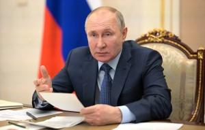 Путин поручил взять под контроль создание новых мест в детсадах