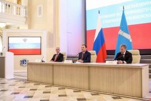 Игорь Комаров поблагодарил ушедшего в отставку губернатора Ульяновской области Сергея Морозова и предложил ему стать помощником полпреда в ПФО.
