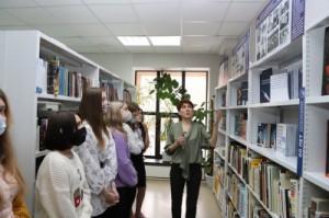 Также в здании библиотеки открылась тематическая выставка «Ю. Гагарин. Звёздный полёт».