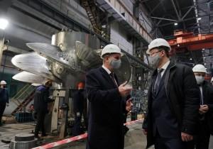 Обсудили ведущиепроекты, над которыми работает предприятие. Один из них — производство полярных кранов для атомных станций.