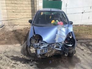 Автомобилистка в Самарской области врезалась в световую опору