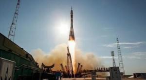 Дмитрий Азаров поздравил жителей Самарской области с Днём космонавтики