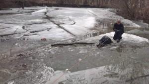 В Тольятти женщина погибла на льдине в карьере