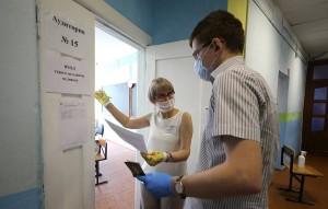 Исключений для регионов, где наблюдается рост числа заразившихся коронавирусом, не будет, заявили в Рособрнадзоре.