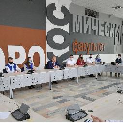 Михаил Мишустин поддержал предложение студентов Самарского университета им. Королёва