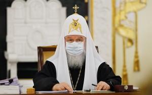"""После вакцинации патриарх Кирилл """"чувствует себя очень хорошо""""."""
