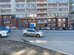 В Самаре велосипедист угодил под иномарку