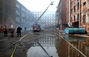 Трое награжденных участвовали в тушении пожара на Невской мануфактуре.