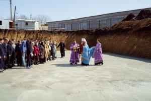 Митрополит Сергий освятил спорную стройку РПЦ около Ботсада в Самаре