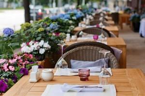 С 15 апреля, в Самарской области разрешено открывать веранды и летние кафе