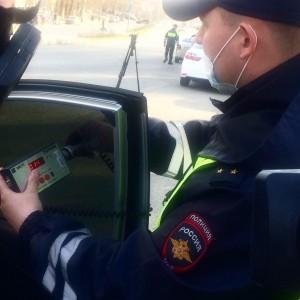 В день рейда к административной ответственности за нарушение светопропускаемости стекол было привлечено 64 водителя.