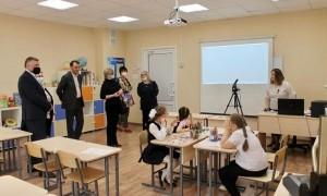 Помощник полномочного представителя Президента РФ в ПФО Владимир Колчин посетил Пензенскую область.