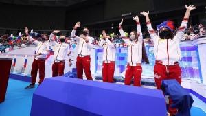Спортсменов поздравила заслуженный тренер СССР Татьяна Тарасова.
