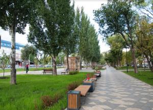 Это сквер Овчарова (пос. Прибрежный) и территория улицы Авроры (в границах улиц Мориса Тореза и Аэродромная) в Самаре.