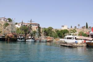 Лишь 3% россиян надеются провести летний отдых в Турции