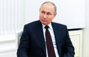 По словам президента России, он готов обсудить двусторонние отношения в любое удобное время.
