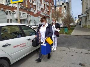 Более 400 жителей Самарской области прошли вакцинацию от COVID-19 на дому