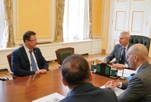 Обсудили вопрос привлечения инвестиций в строительство спортобъектов Самарской области.