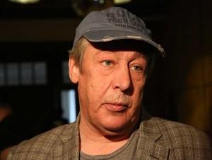 Он стал лучше выглядеть и даже немного внешне помолодел, сообщил его адвокат Петр Хархорин.