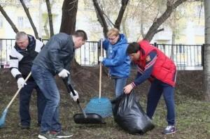Они принялиучастие в благоустройстве парка Щорса.