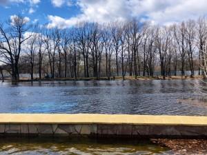 Уровень воды в Волге сейчас составляет 31,5 метр. Вместе с тем, сброс будет постепенно повышаться до 2 мая.