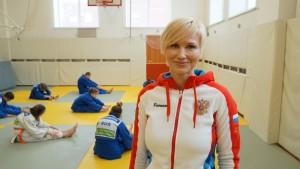 Участница Олимпиады в Сиднее, наставник чемпионов по самбо и дзюдо сможет достойно представлять интересы детского и молодежного спорта в губдуме, уверены коллеги.