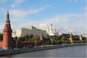 При этом пресс-секретарь президента Дмитрий Песков заявил, что такая инициатива должна исходить от населения.
