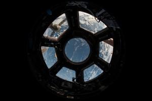 """На МКС отправится космонавт Антон Шкаплеров и съемочная группа фильма с рабочим названием """"Вызов"""" (актриса и режиссер Клим Шипенко)."""