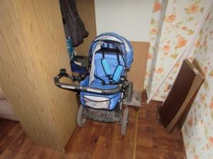 В Жигулевске уборщик похитил из общежития детскую коляску