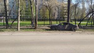 В Самаре один автомобиль помешал другому и тот врезался в дерево