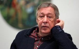 Артист сообщил, что он в хорошем психологическом состоянии, но у него есть некоторые старые проблемы со здоровьем.