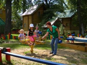 Выплаты беременным и кешбэк за детский отдых ждут россиян