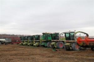 Отдельно Дмитрий Азаров и Юрий Рябов обсудили вопросы развития одного из крупнейших сельхозпредприятий региона – «Северный ключ».