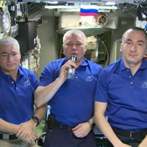 Космонавты МКС поздравили землян с Днем Победы