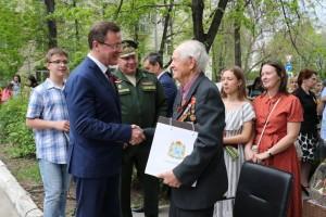 Губернатор поблагодарил Николая Тарасова за то, что, уйдя на заслуженный отдых, он занялся военно-патриотическим воспитанием, наставнической деятельностью.