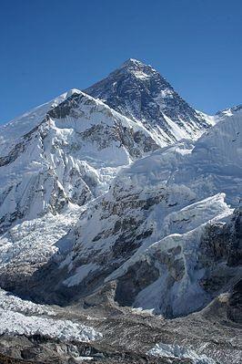 Китайские власти проведут разделительную линию на вершине Эвереста