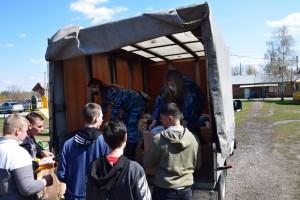 Учебное заведениерасположено в селе Старый Буян. Сюда сотрудники УФСИН доставили одежду, обувь, игрушки.