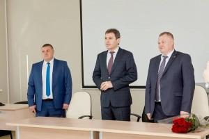 Сегодня министр здравоохранения Самарской области Армен Бенян представил их коллективам больниц.
