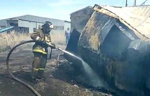 На мусороперерабатывающем заводе в Самарской области произошел пожар на площади 10 тыс. кв. м