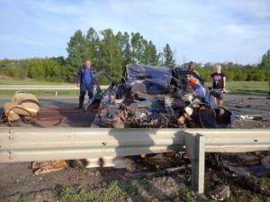 Водитель и 3 пассажира легкового автомобиля погибли на месте ДТП.