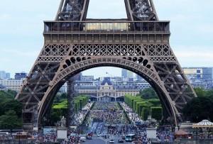 Французы поддержали решениеРоссиивнестиСШАиЧехиюв список недружественных государств и предложили добавить туда еще несколько стран.